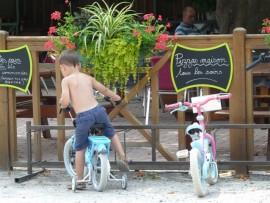 Camping familial idéal pour vélos