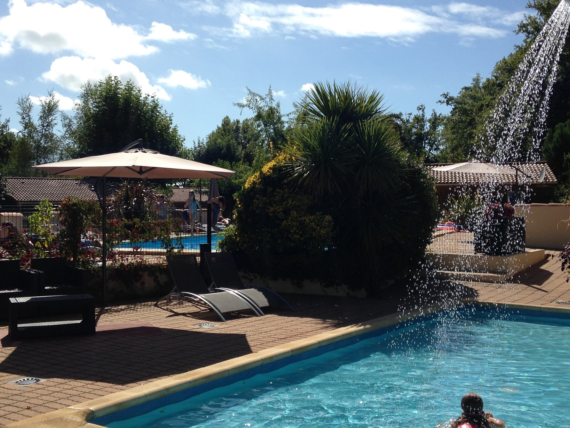 piscine chauffée camping 4 étoiles Ares
