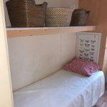 petit lit d'appoint et rangements La Cigale mobil home