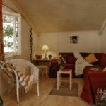 sala casita de madera